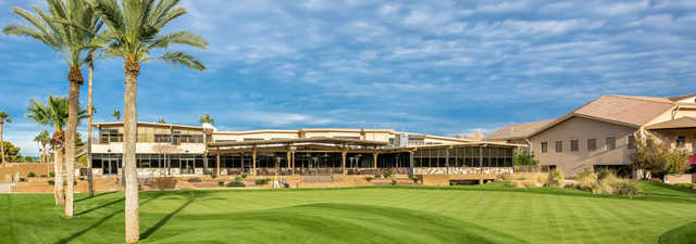 Moon Valley CC: Clubhouse
