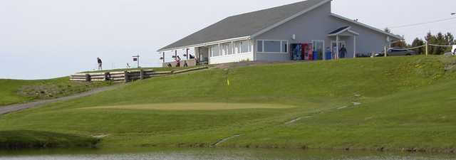 Oshawa Airport GC: Clubhouse & #9