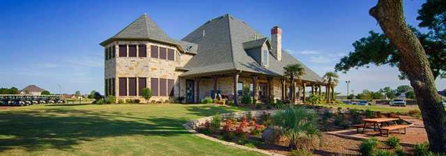 Southern Oaks GC: Clubhouse