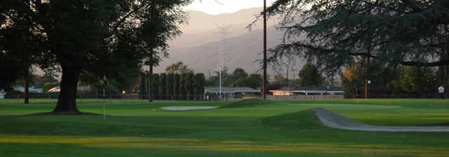 Glen Oaks Golf & Racquet Club