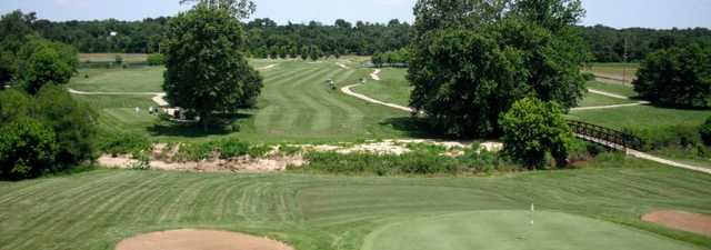 Woodlands GC: Clubhouse terrace