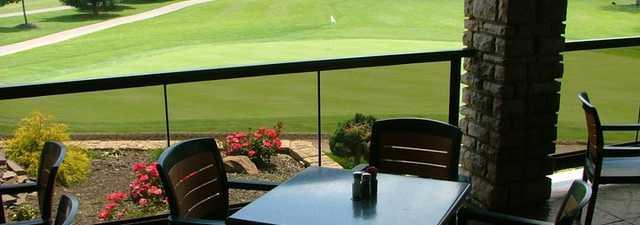 Cherokee Hills GC - Coppertop: clubhouse terrace