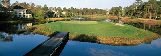 Raven at Sandestin Resort: Island green